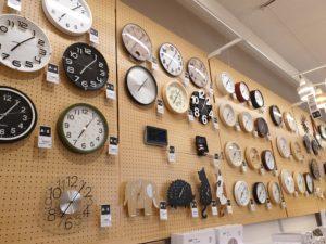 ニトリ向島店の時計売り場